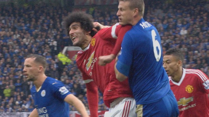 fellaini-huth-elbow and hair pull